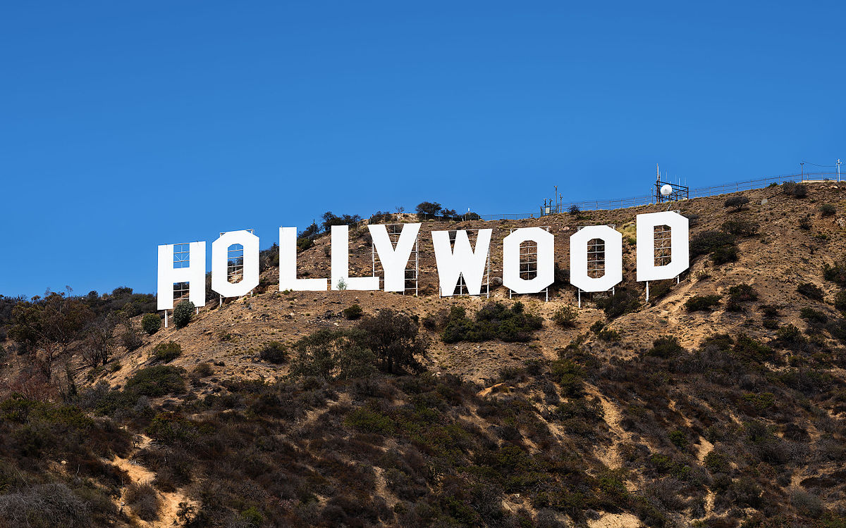 1200px-Hollywood_Sign_Zuschnitt